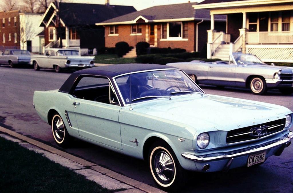 Vieille photo qui inclus des Mustang 65-73  - Page 7 13609510