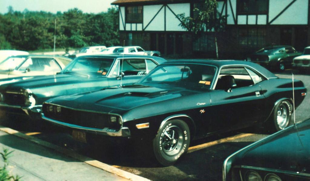 Vieille photo qui inclus des Mustang 65-73  - Page 7 13675410