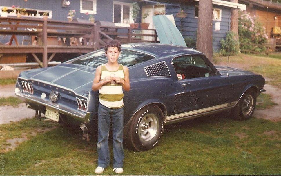 Vieille photo qui inclus des Mustang 65-73  - Page 7 16192410