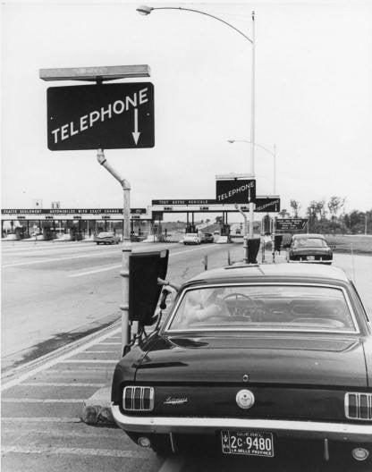 Vieille photo qui inclus des Mustang 65-73  - Page 7 16883510