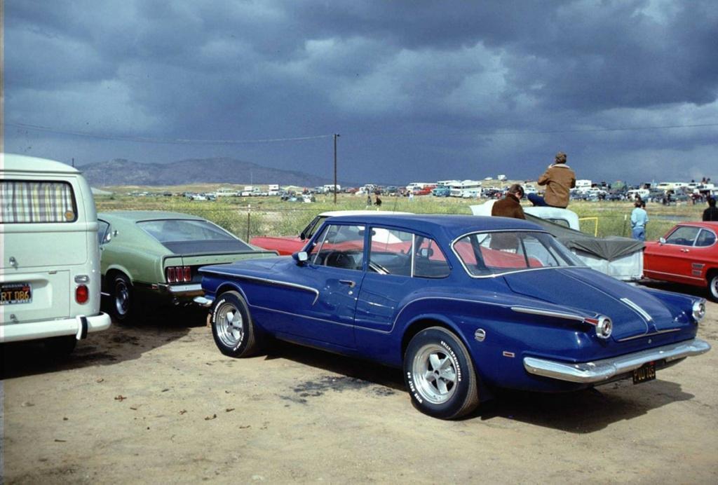 Vieille photo qui inclus des Mustang 65-73  - Page 8 18364610