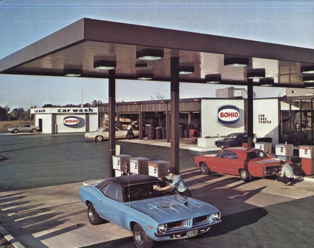 Vieille photo qui inclus des Mustang 65-73  - Page 8 18656110