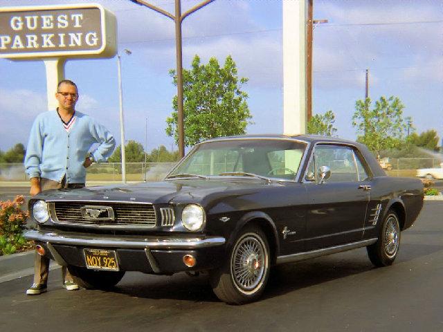 Vieille photo qui inclus des Mustang 65-73  - Page 6 196610