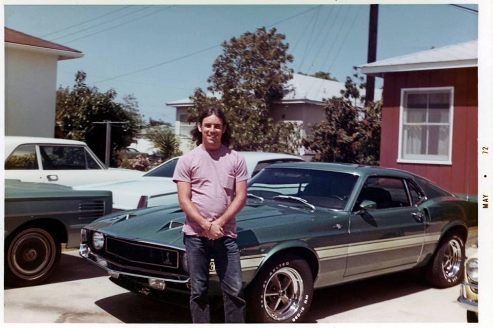 Vieilles photos qui inclus des Shelby 35853410