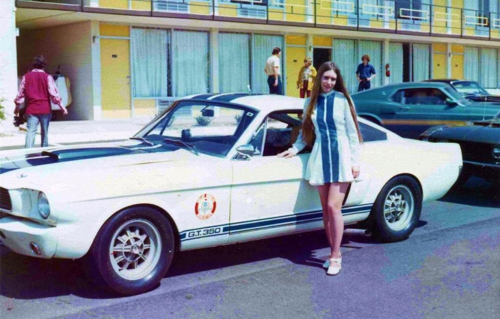 Vieilles photos qui inclus des Shelby 70725710