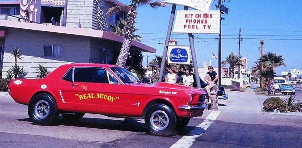 Vieille photo qui inclus des Mustang 65-73  - Page 6 95384810