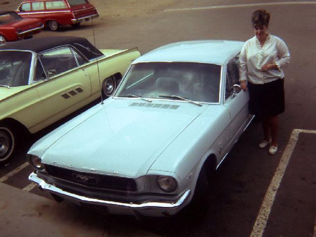 Vieille photo qui inclus des Mustang 65-73  - Page 7 Aout6710