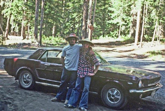 Vieille photo qui inclus des Mustang 65-73  - Page 7 B13110