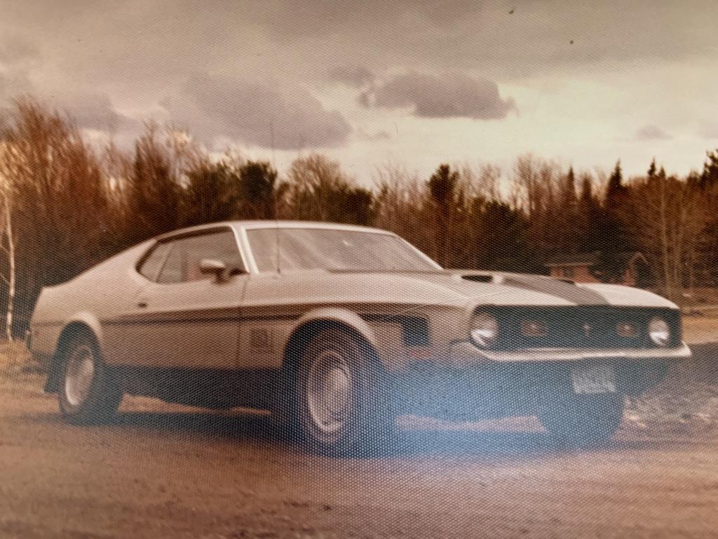 Vieille photo qui inclus des Mustang 65-73  - Page 6 Chrysl10