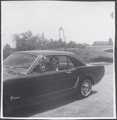 Vieille photo qui inclus des Mustang 65-73  - Page 7 Coupe_11