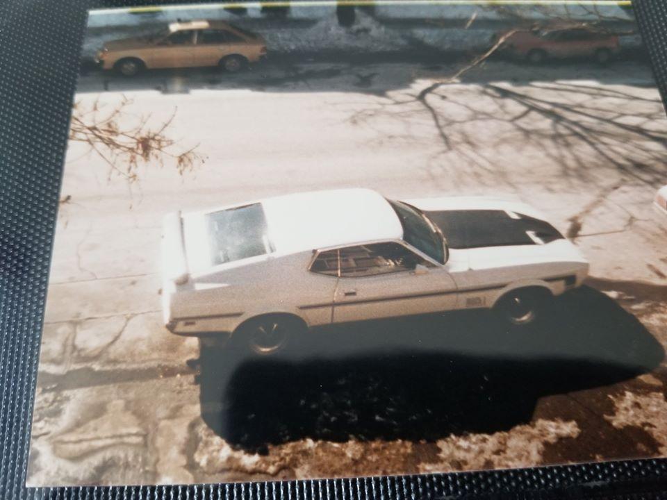 Vieille photo qui inclus des Mustang 65-73  - Page 6 Du_quz10