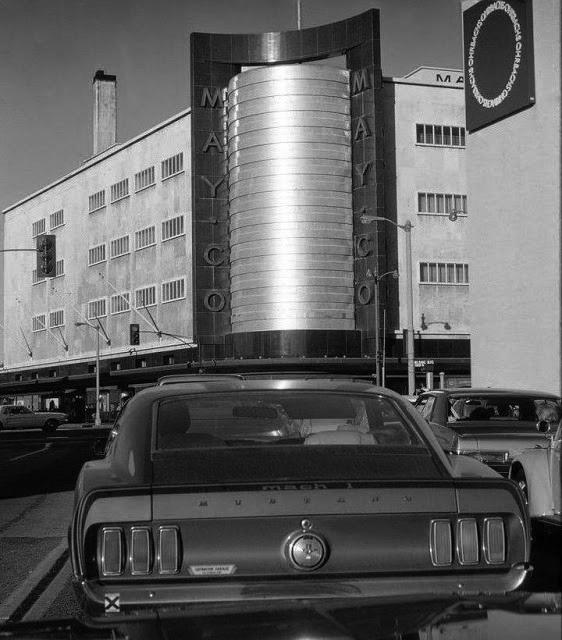 Vieille photo qui inclus des Mustang 65-73  - Page 7 Fairfa10