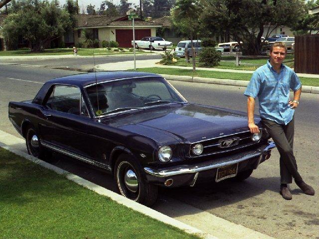 Vieille photo qui inclus des Mustang 65-73  - Page 7 Fev7110