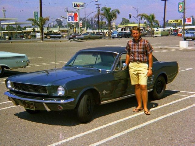 Vieille photo qui inclus des Mustang 65-73  - Page 8 July6810