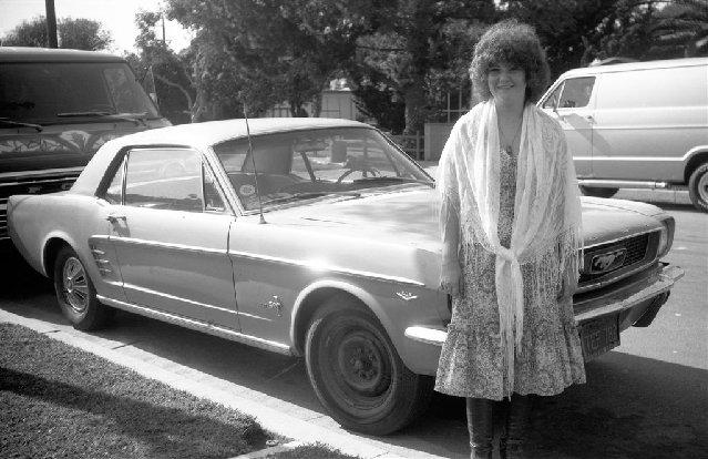Vieille photo qui inclus des Mustang 65-73  - Page 8 July7510