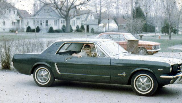 Vieille photo qui inclus des Mustang 65-73  - Page 6 Mustan55