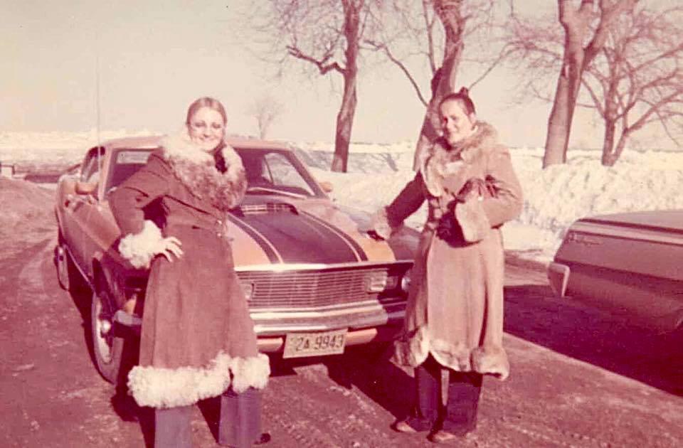 Vieille photo qui inclus des Mustang 65-73  - Page 6 Pierre10