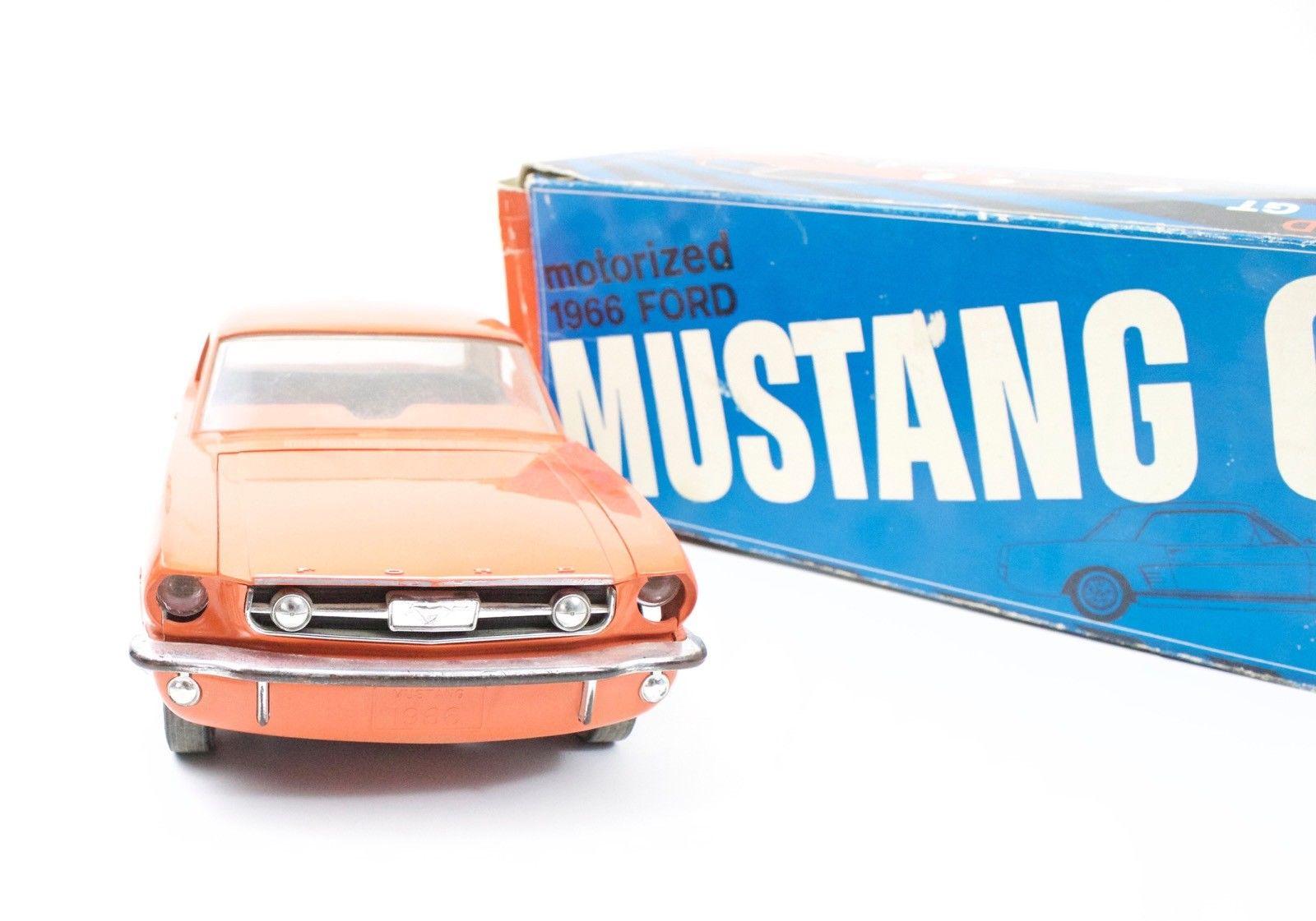 Jouet: Mustang coupe1966 par AMF Wen-Mac S-l16040