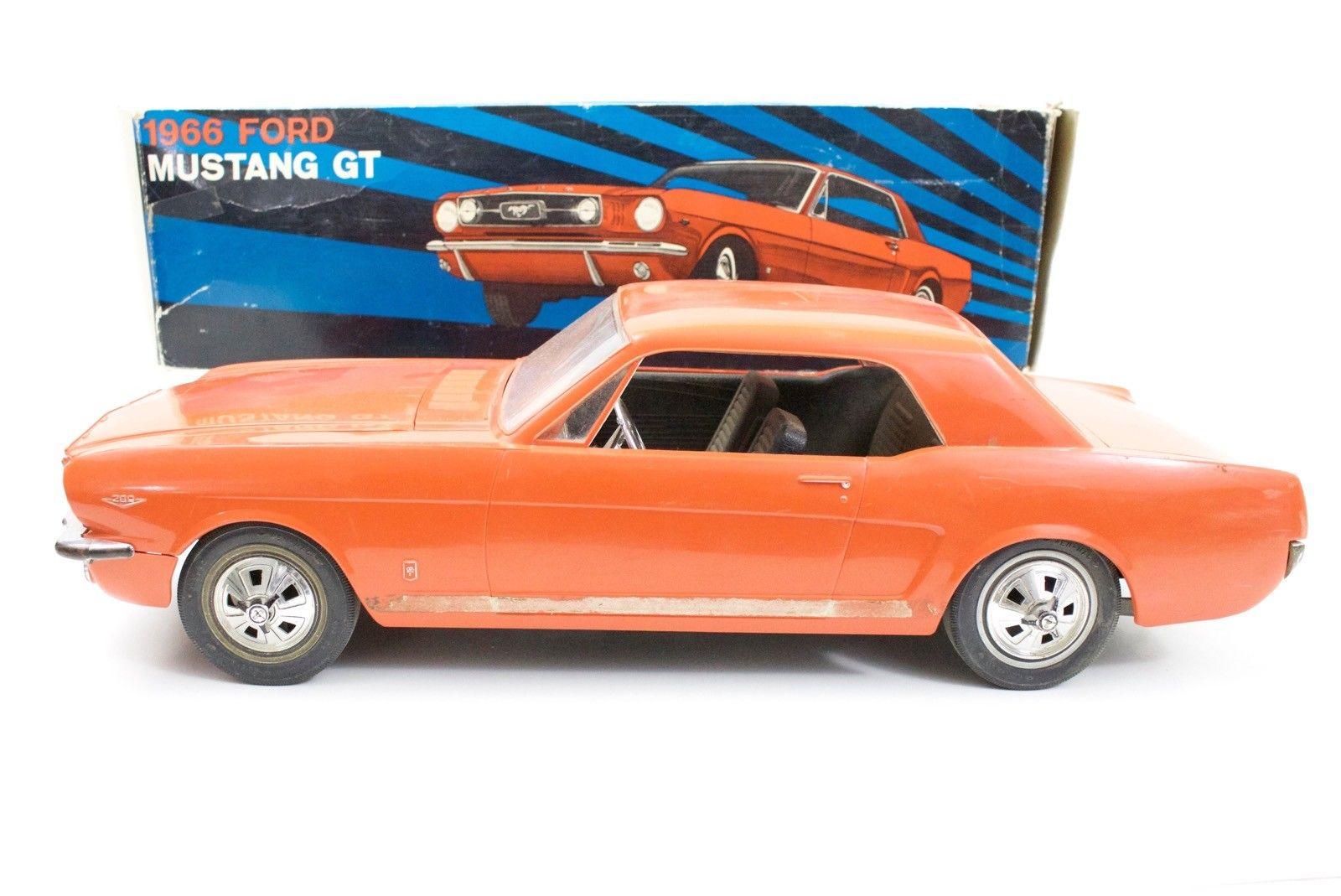 Jouet: Mustang coupe1966 par AMF Wen-Mac S-l16041
