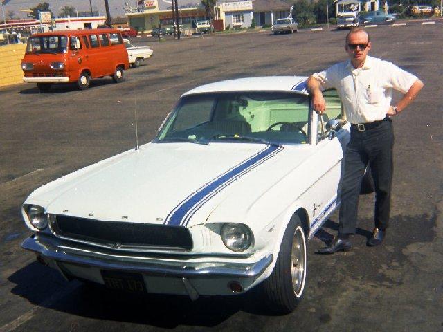Vieille photo qui inclus des Mustang 65-73  - Page 7 Sept6510