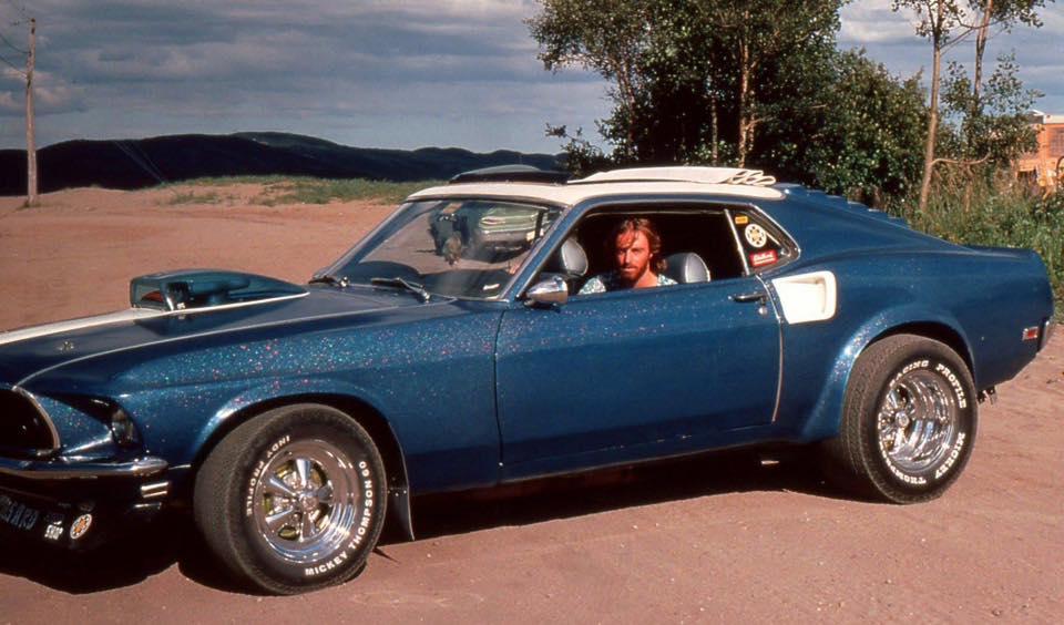 Vieille photo qui inclus des Mustang 65-73  - Page 6 Sept_z10