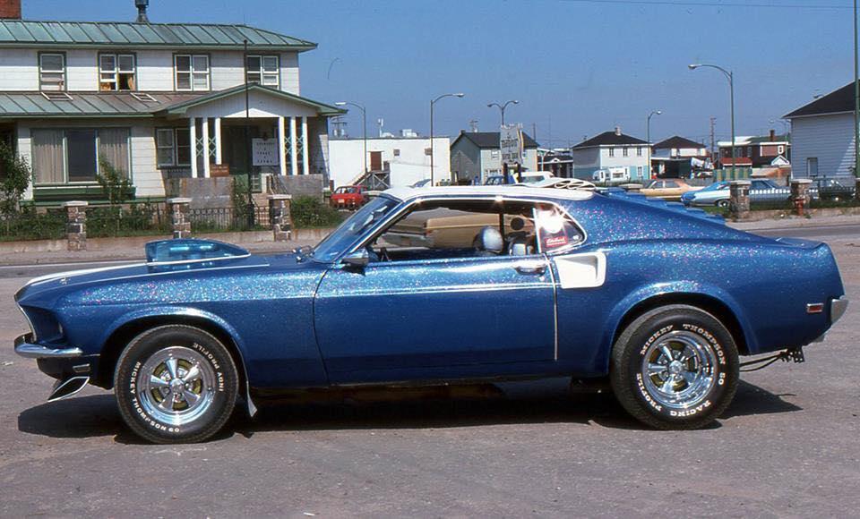 Vieille photo qui inclus des Mustang 65-73  - Page 6 Sept_z11
