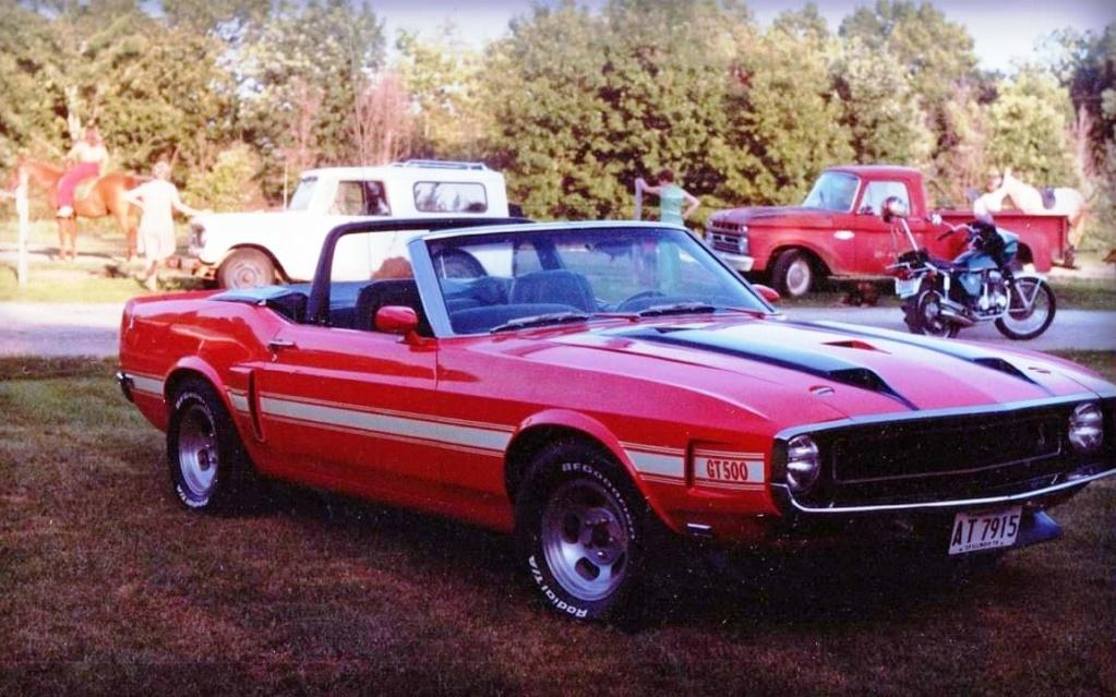 Vieilles photos qui inclus des Shelby Shelby18