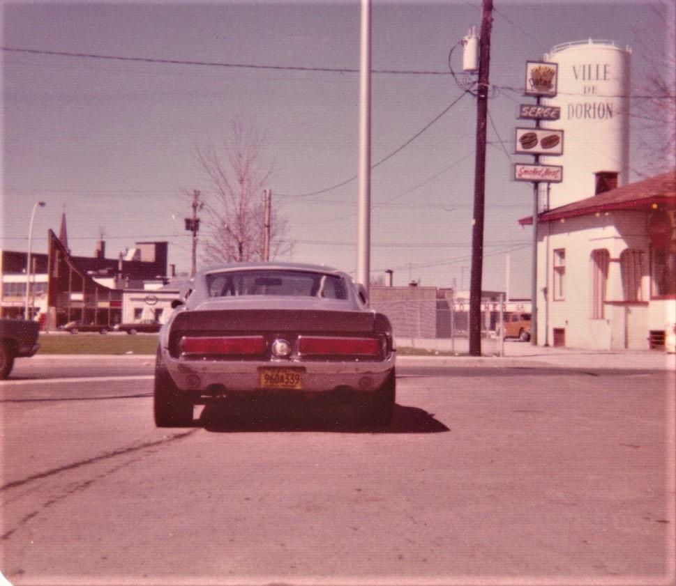 Vieilles photos qui inclus des Shelby Shelby30