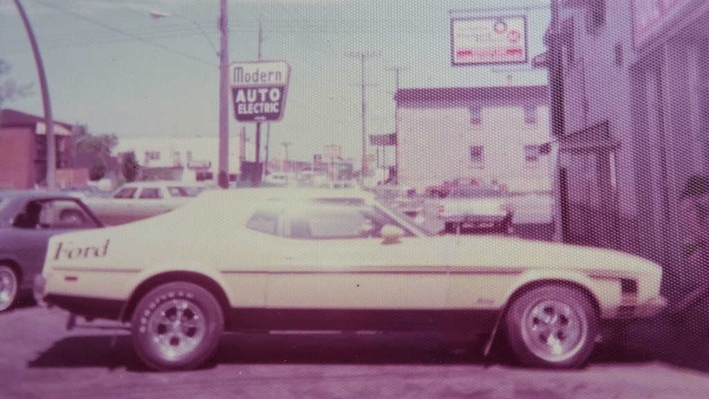 Vieille photo qui inclus des Mustang 65-73  - Page 8 Sylvai11