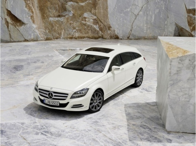 la Mercedes-Benz CLS reprend une longueur d'avance 39615911