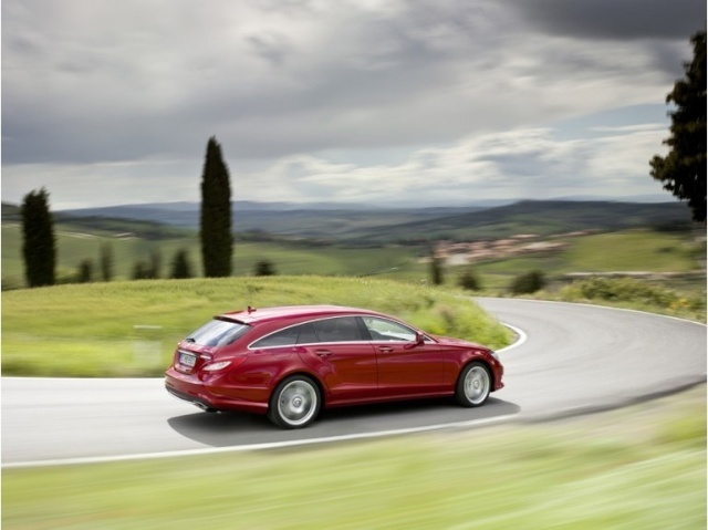 la Mercedes-Benz CLS reprend une longueur d'avance 39616110