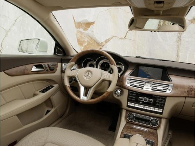 la Mercedes-Benz CLS reprend une longueur d'avance 39616510
