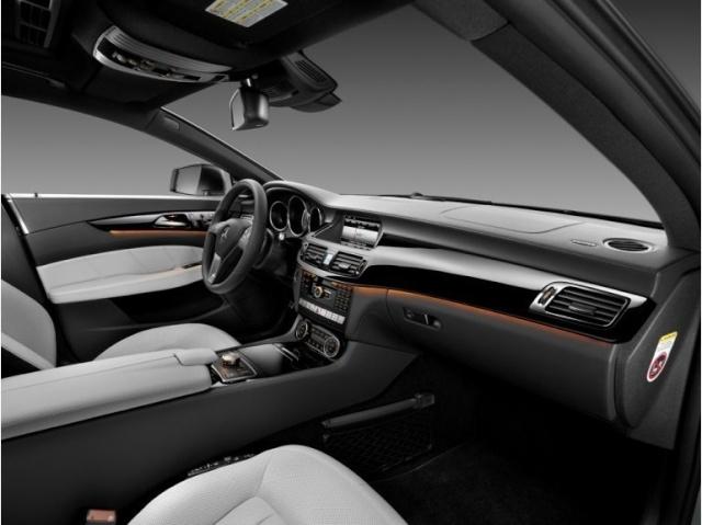 la Mercedes-Benz CLS reprend une longueur d'avance 39616810