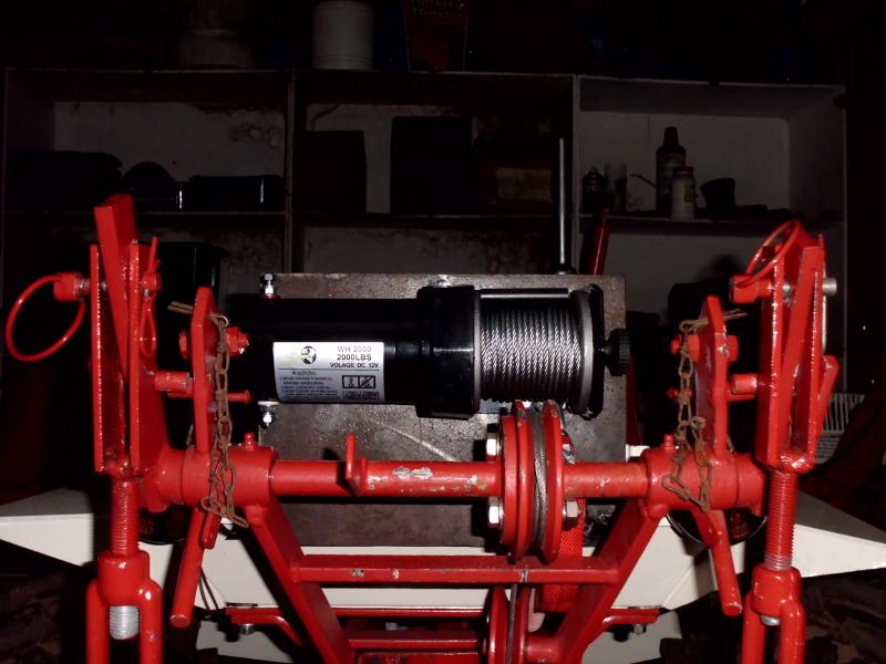 Montage d'un treuil électrique sur mon 1050D Treuil11