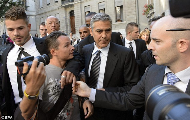 George Clooney to visit Geneva for Obama fundraiser on 27th August - Page 2 Articl12