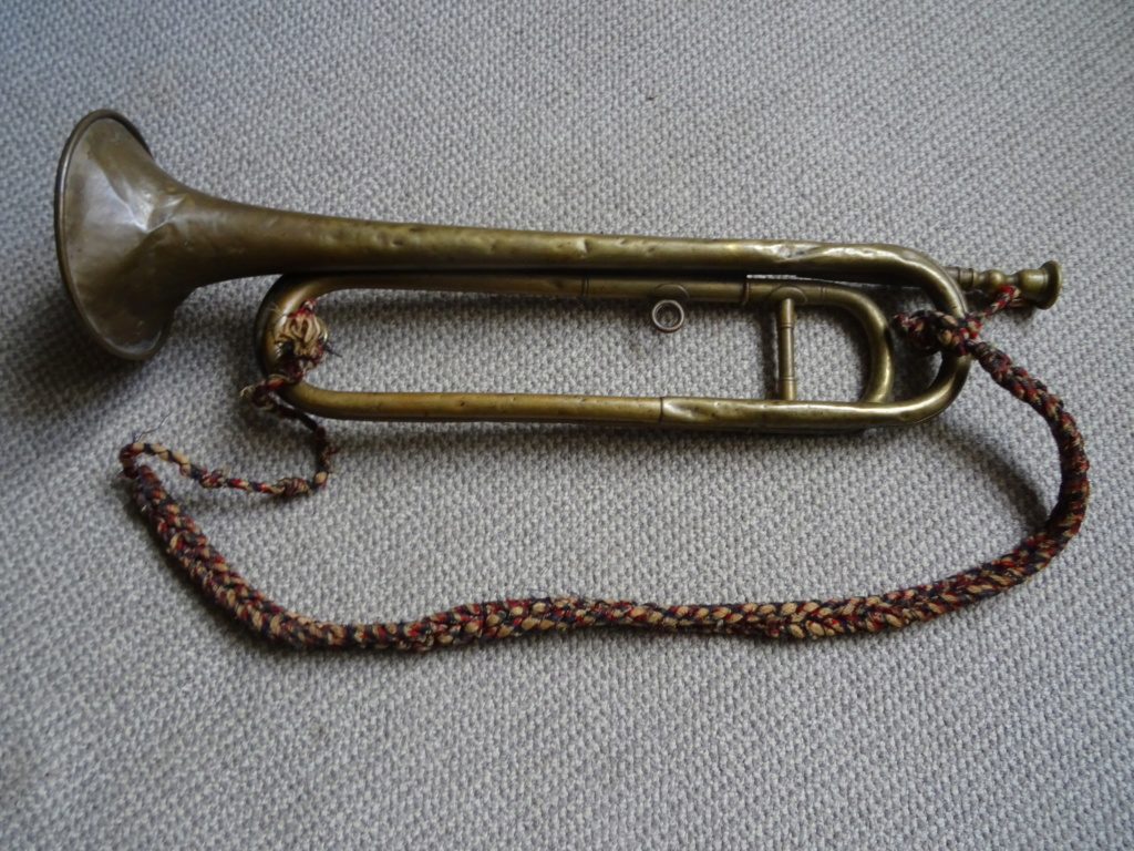 Les instruments de musique : caisses - tambours - clairons - trompettes  - Page 3 Dsc01657