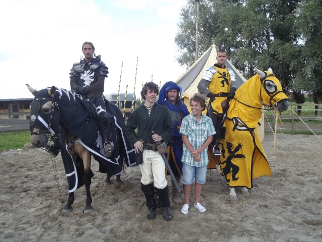 Calendrier des fêtes médiévales Régionales Dscf0711