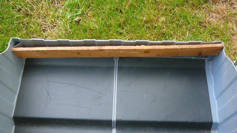 Problème glissière à bille coffre sous banquette AR P1100210