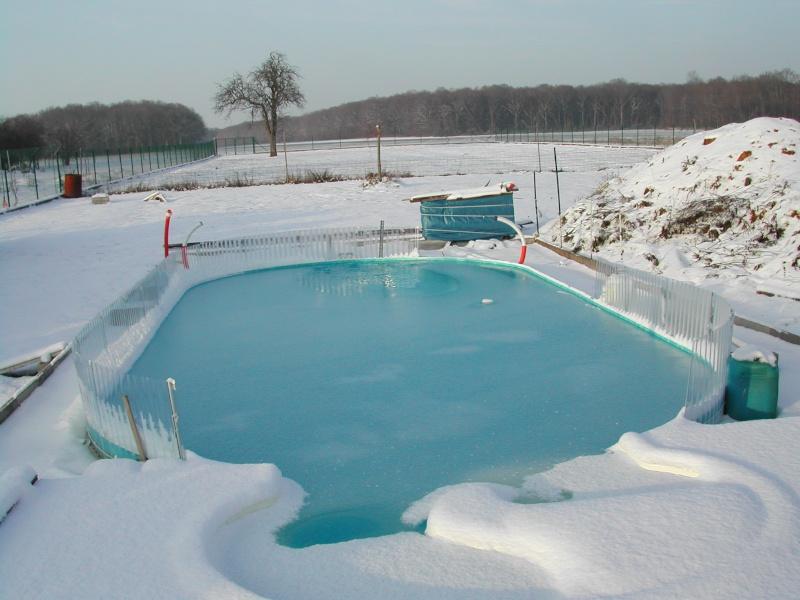 Est-il obligatoire de couvrir sa piscine pour l'hivernage ? Dscn1510