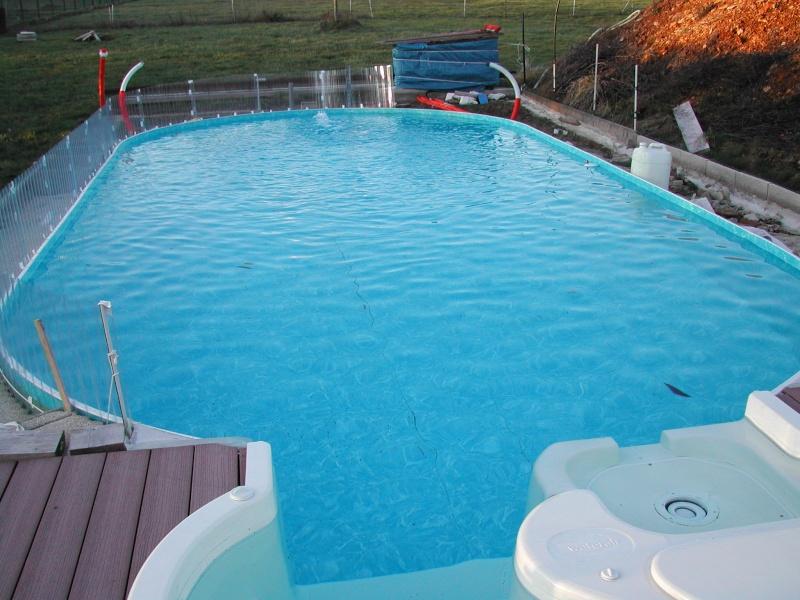 Est-il obligatoire de couvrir sa piscine pour l'hivernage ? Dscn1511
