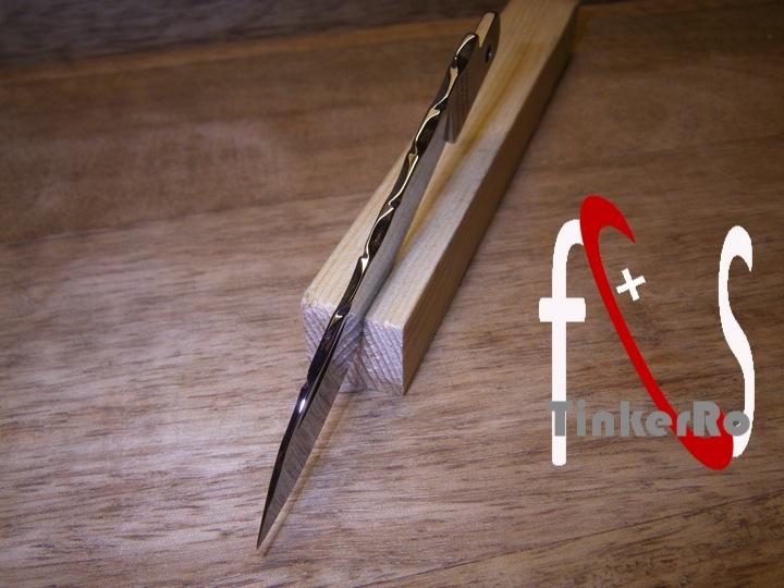 Essai de guillochage pour un couteau complet Guillo10