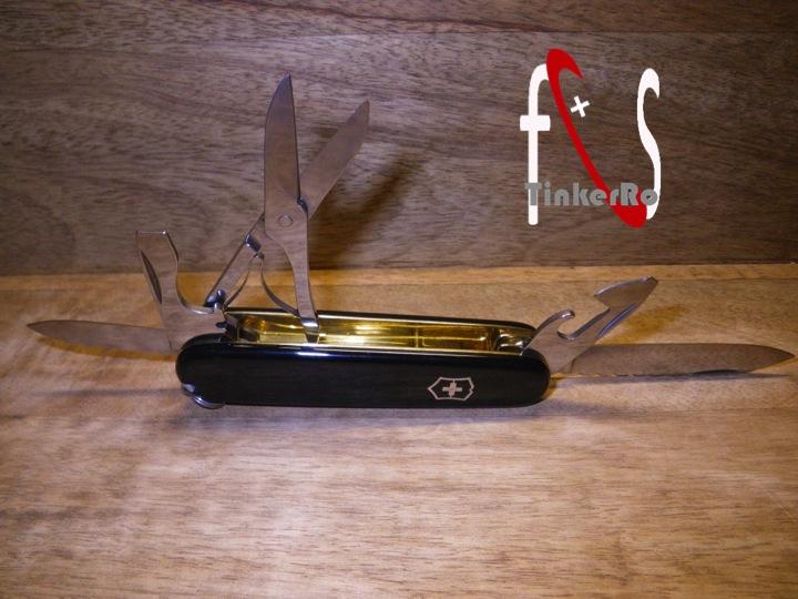 Essai de guillochage pour un couteau complet - Page 2 Papa_m12