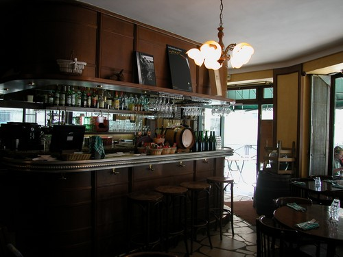 Bar, restos and co - Page 6 Chez-c10