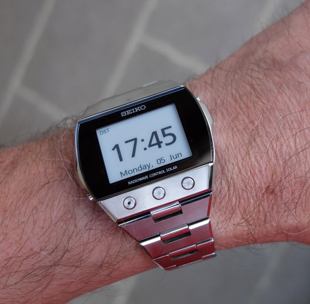 Envie d'une montre digitale vintage, mais laquelle? - Page 2 Dscf7410