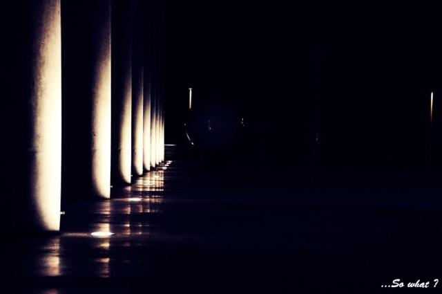 Où finit la Lumière et commence l'Ombre [Terminé] Dark_b10