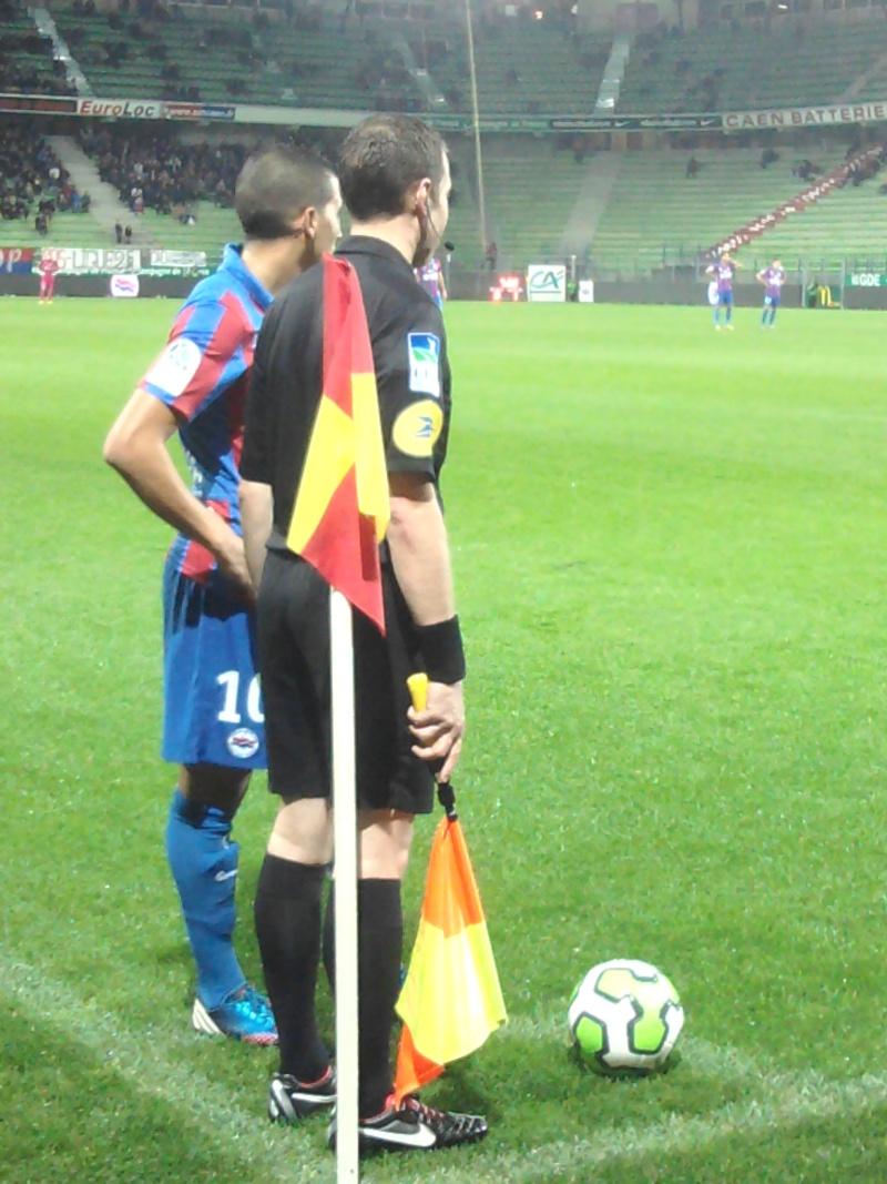 [11e journée de L2] SM Caen 1-2 EA Guingamp - Page 2 2012-111
