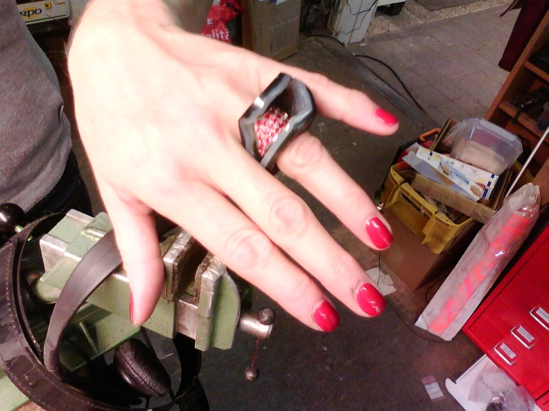 Une agate au doigt. Img04210