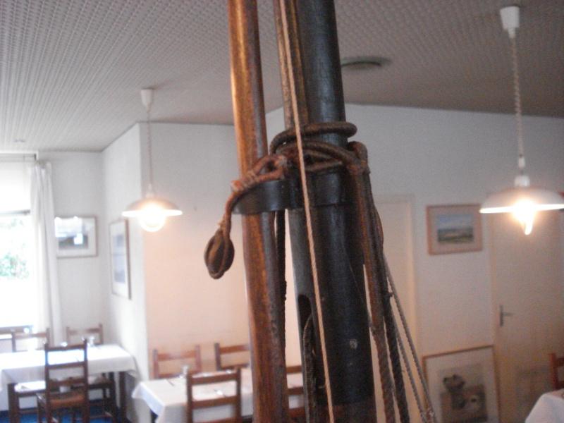 """""""Le COUREUR"""" à voir du côté de Saint-Malo 01113"""