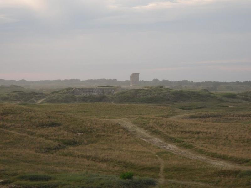 [Histoires et Histoire] Fortifications et ouvrages du mur de l'atlantique (Sujet unique) - Page 4 Sdc10110
