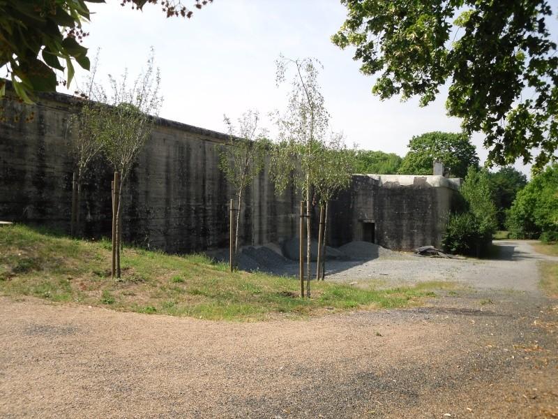 [ Histoires et histoire ] Fortifications et ouvrages du mur de l'Atlantique - Page 3 Sdc10210
